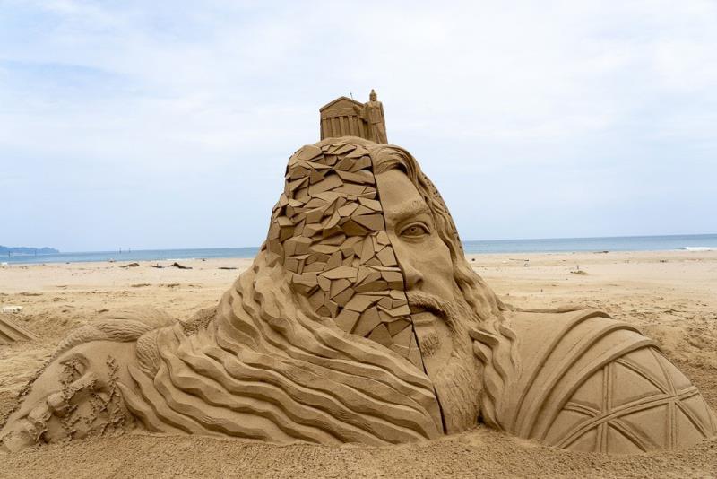 国際大会一位-彫刻家:中国劉洋